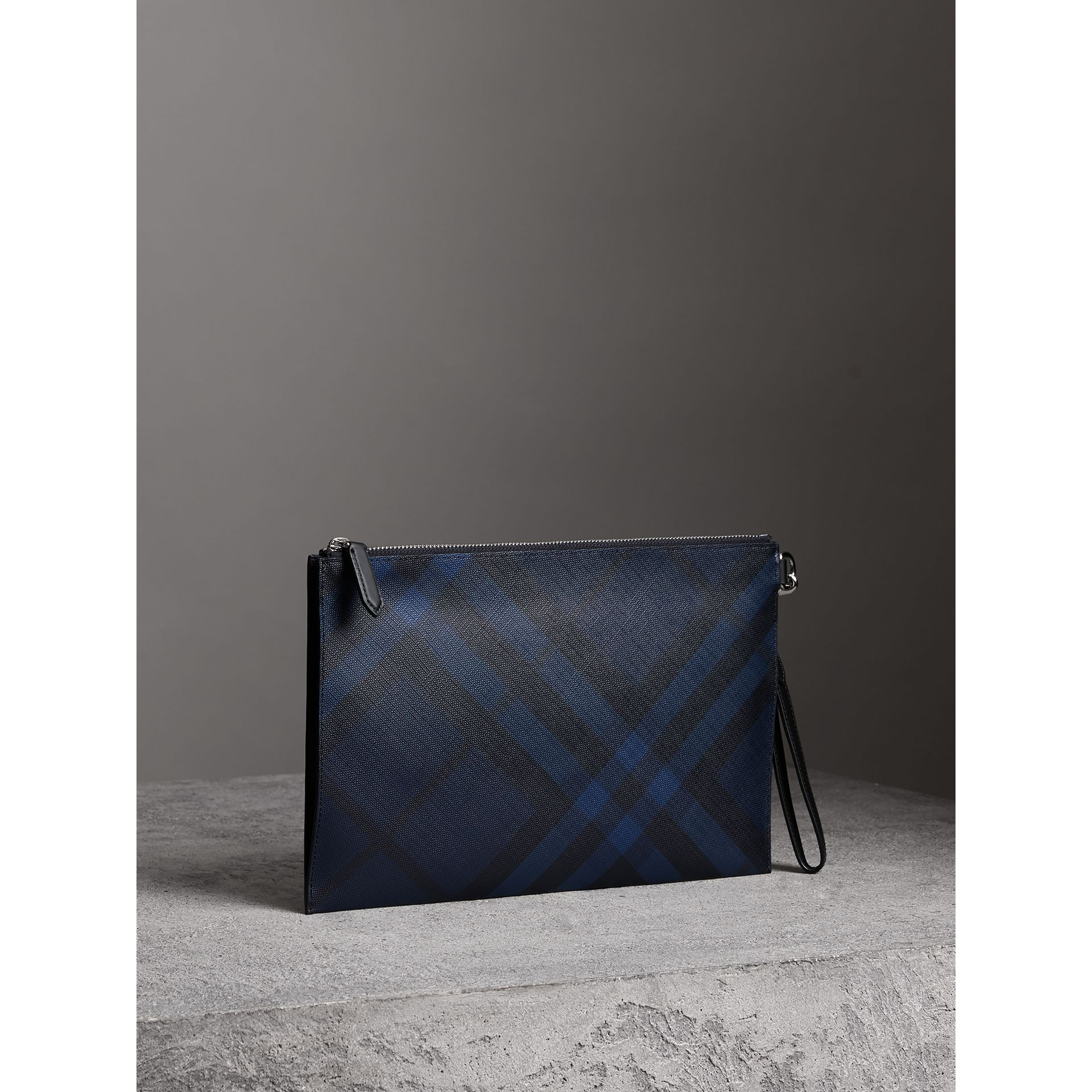 London Check Zip Pouch in Navy/black | Burberry - gallery image 6
