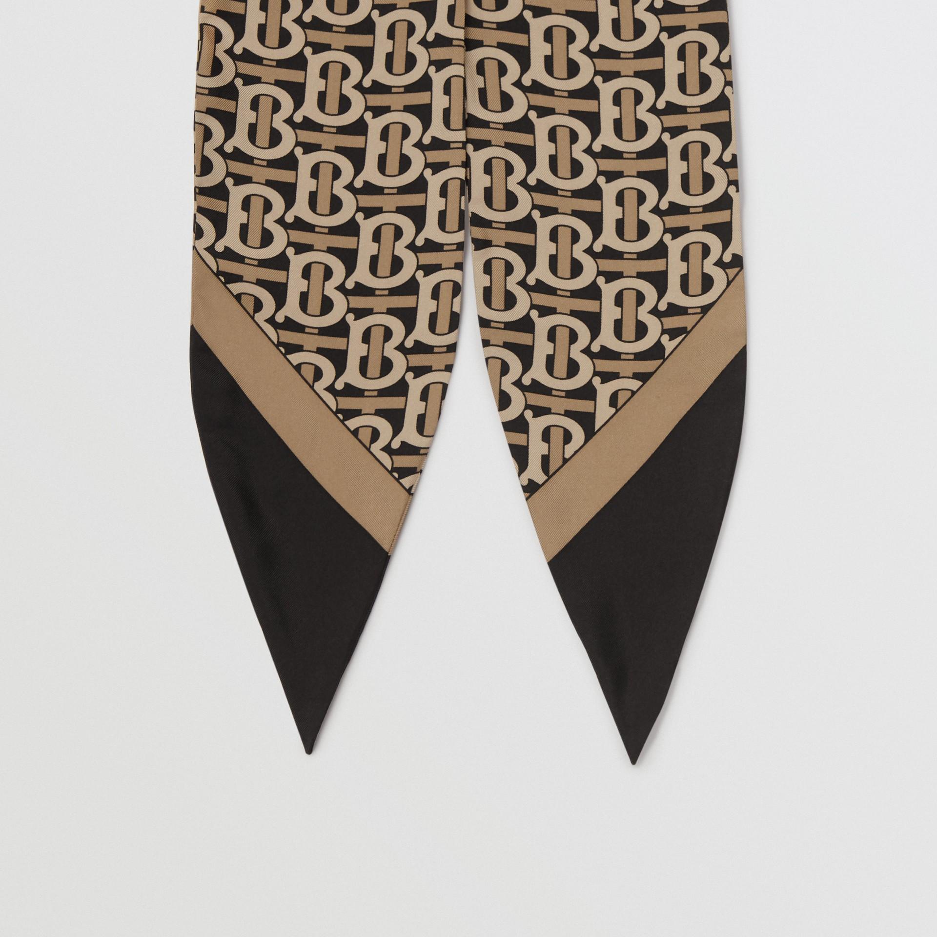 Bandana en seda con estampado de monograma (Negro) - Mujer | Burberry - imagen de la galería 3