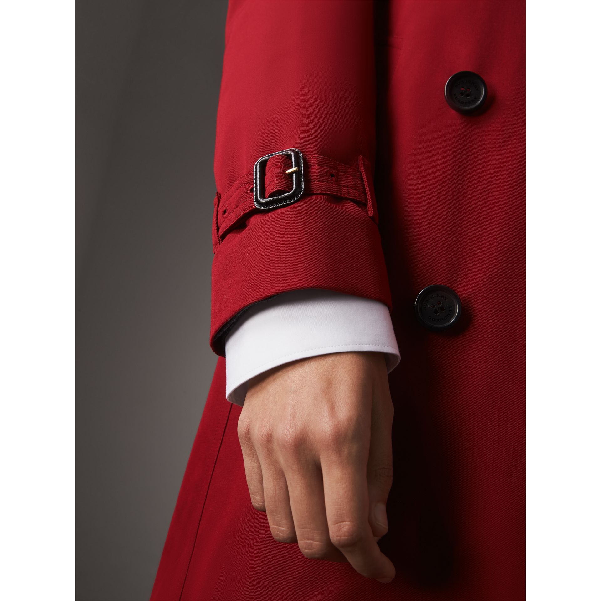 The Kensington – Long Heritage Trench Coat in Parade Red - Women | Burberry - gallery image 5