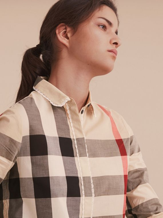 Camicia in cotone con motivo tartan e finitura in pizzo New Classic Check