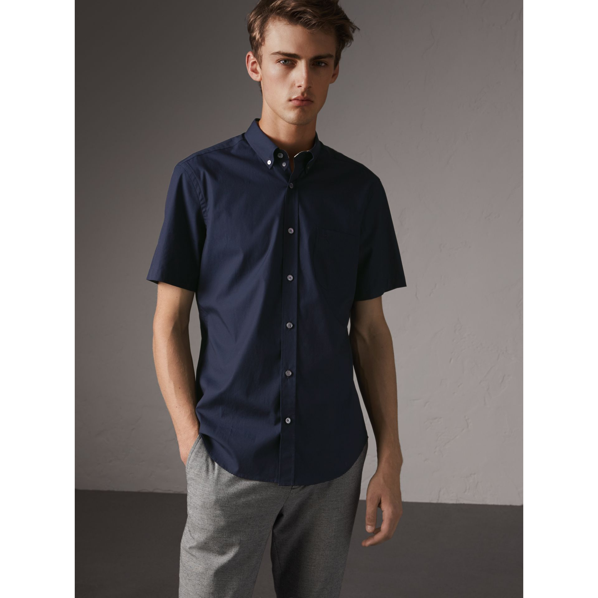 Short-sleeved Stretch Cotton Poplin Shirt in Navy - Men | Burberry Canada - gallery image 1