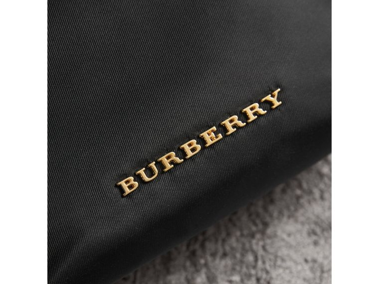 Trousse piccola in nylon tecnico con cerniera (Nero) - Donna | Burberry - cell image 4
