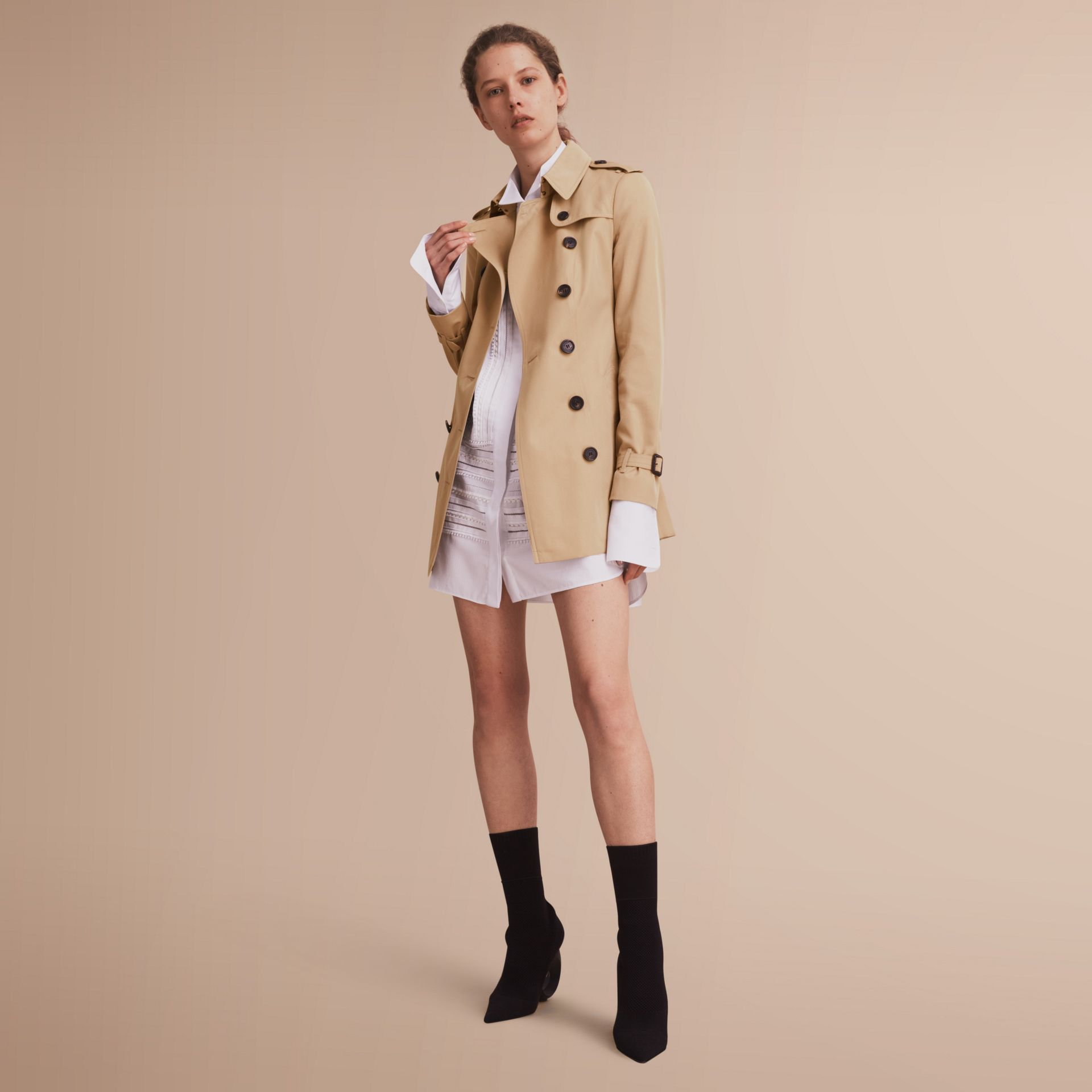 The Sandringham – Short Heritage Trench Coat in Honey - Women | Burberry - gallery image 7