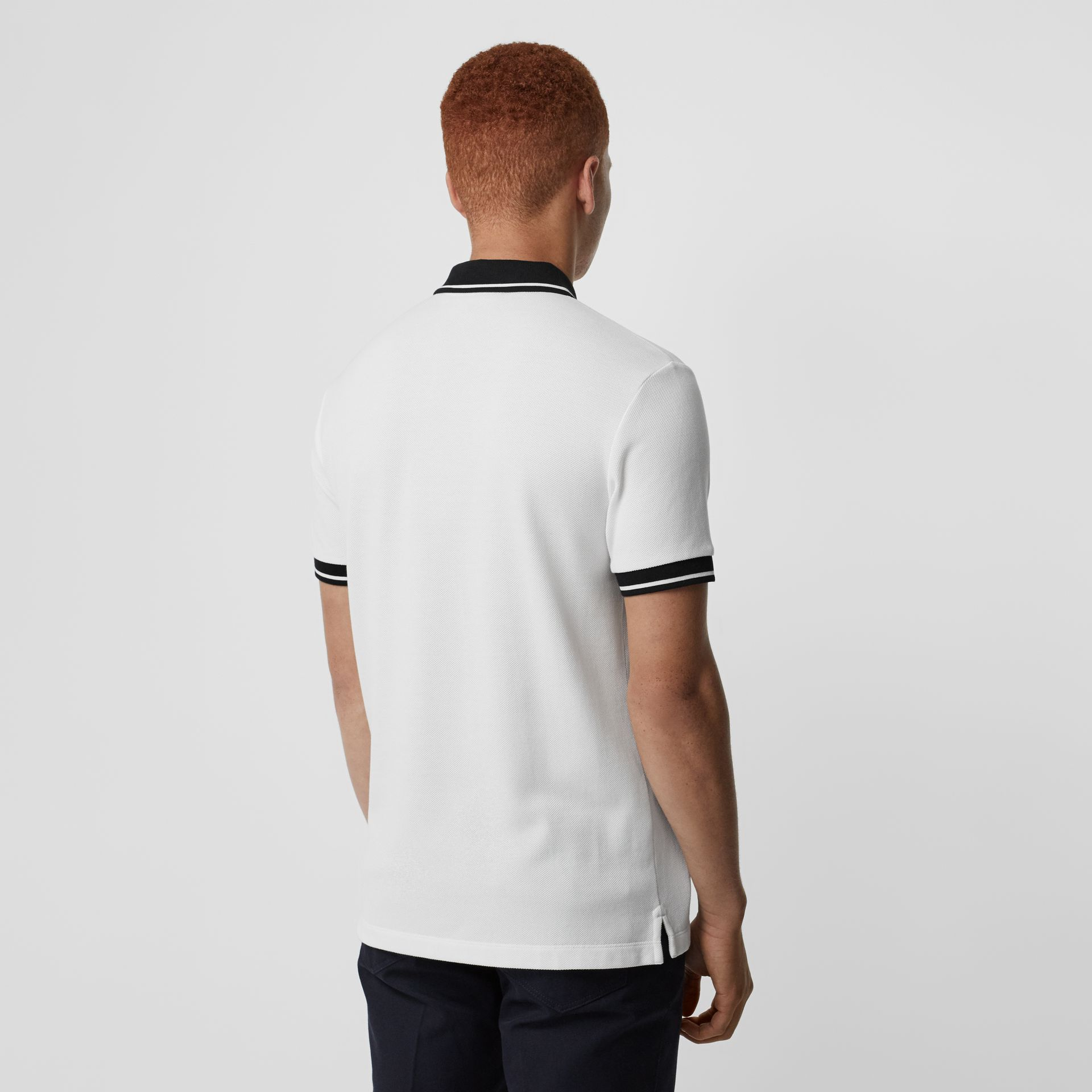 Polo en piqué de coton à bordure colorée (Blanc) - Homme | Burberry - photo de la galerie 2
