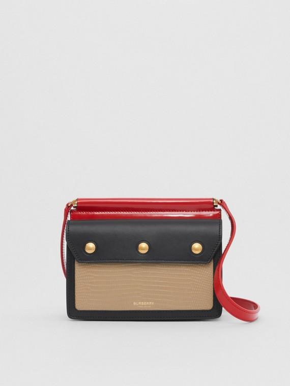 """Ledertasche """"Title"""" im Miniformat mit kontrastierenden Panels und Taschendetail (Honiggelb)"""