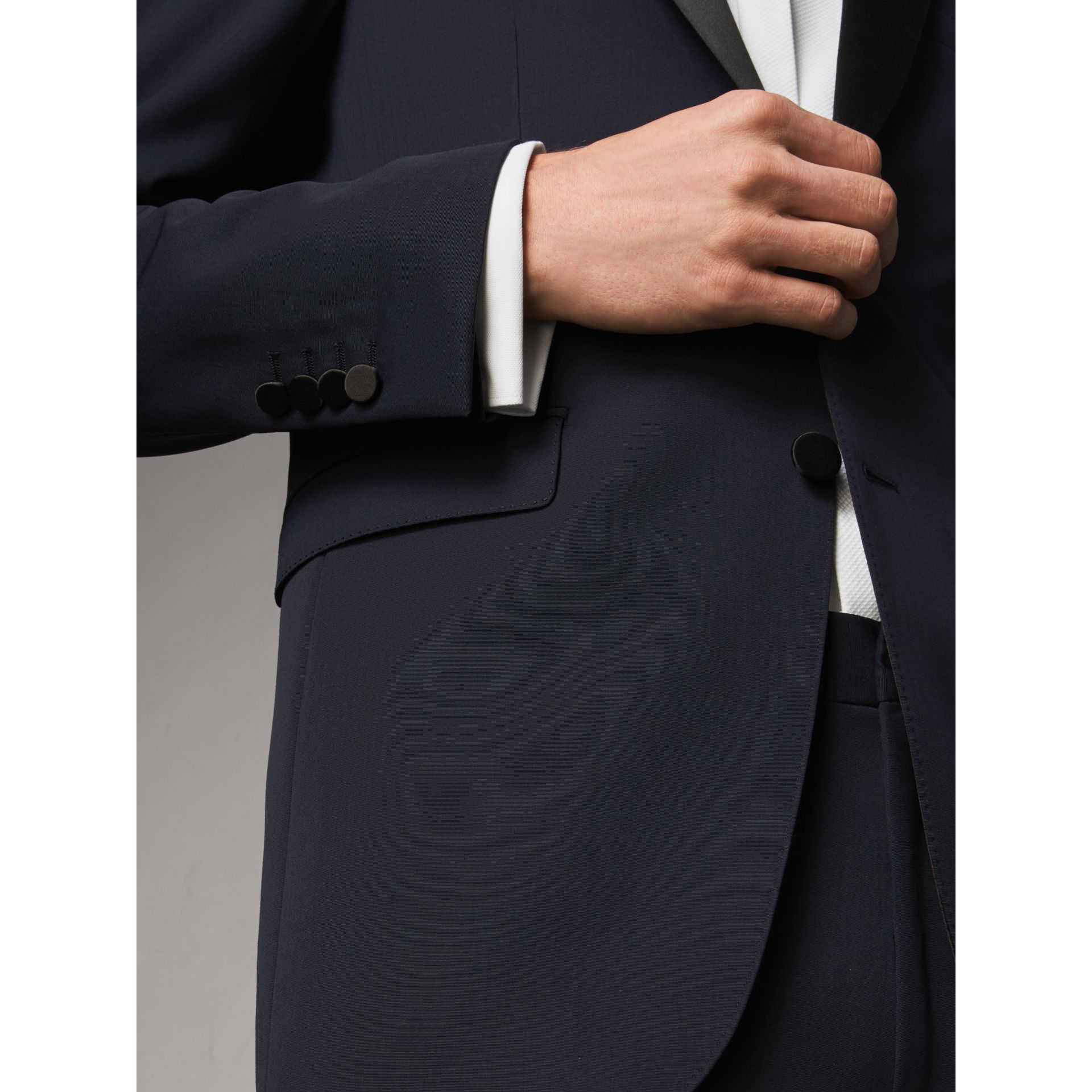 Modern Fit Virgin Wool Half-canvas Tuxedo in Navy - Men | Burberry United Kingdom - gallery image 4