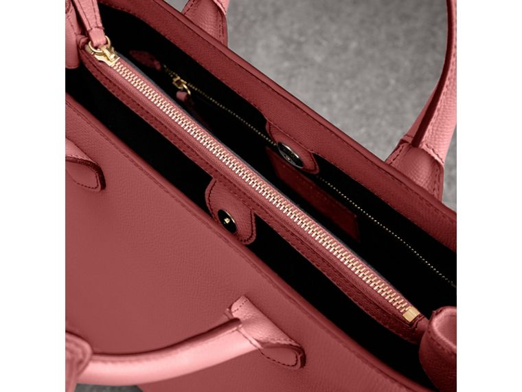 The Medium Banner in Leather and House Check in Mauve Pink - Women | Burberry - cell image 4
