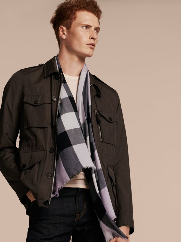 The Lightweight Check Cashmere Scarf in Dusty Lilac | Burberry United States - cell image 3
