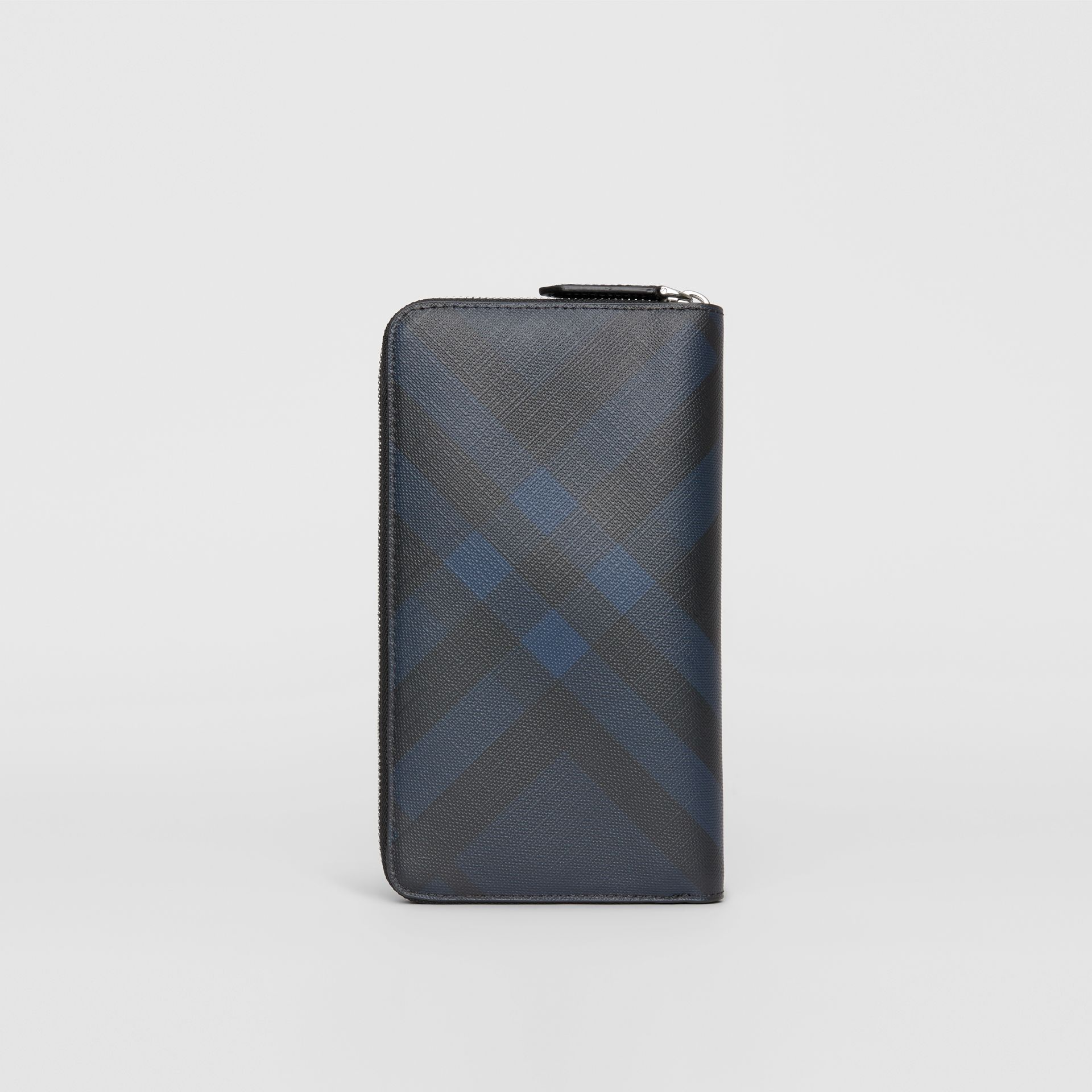 London Check Ziparound Wallet in Navy/black - Men | Burberry United Kingdom - gallery image 5