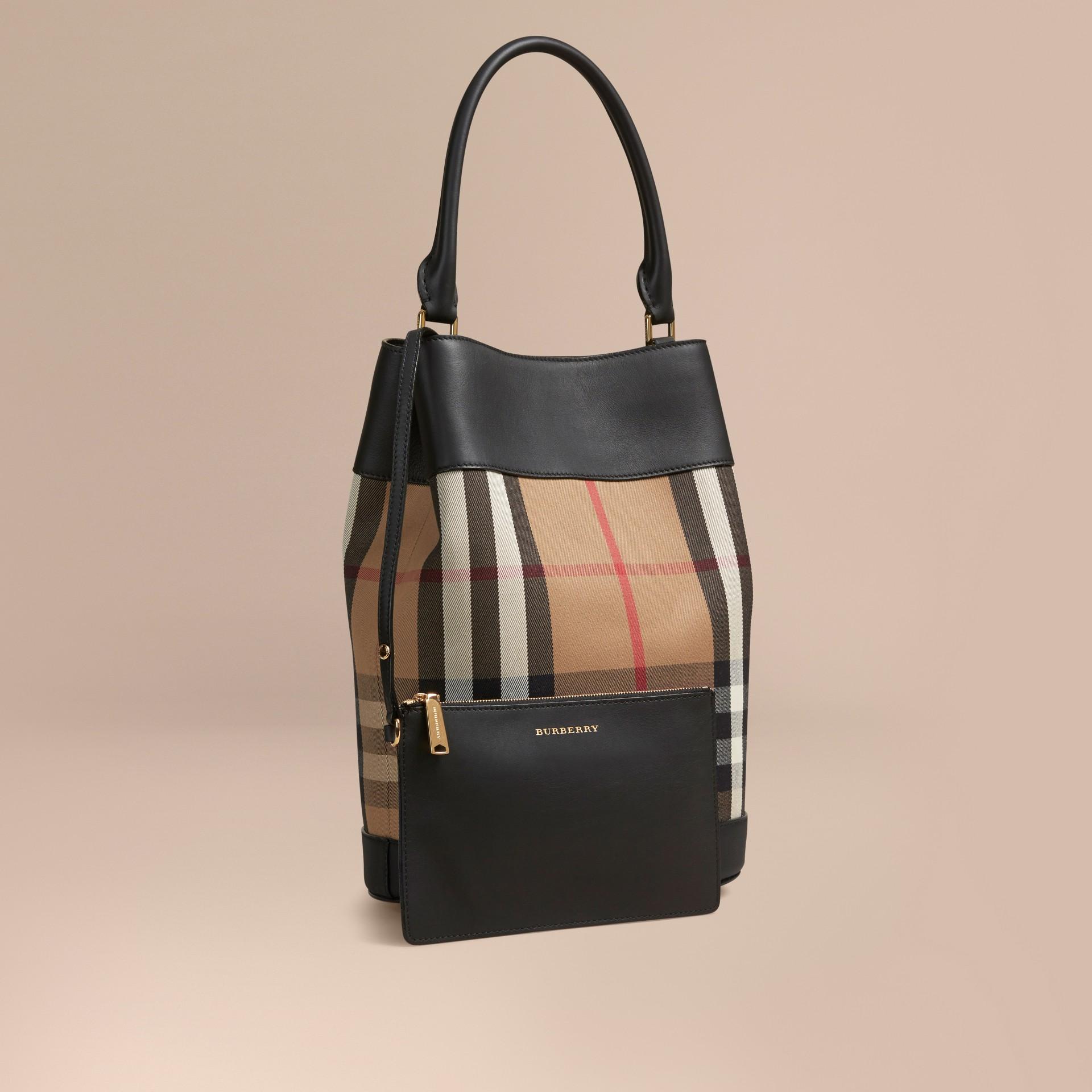 Noir Sac Burberry Bucket en coton à motif House check et cuir Noir - photo de la galerie 1
