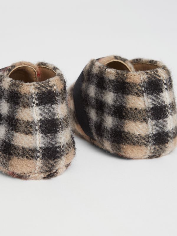 Vintage Check Wool Shoes in Archive Beige - Children | Burberry United Kingdom - cell image 2
