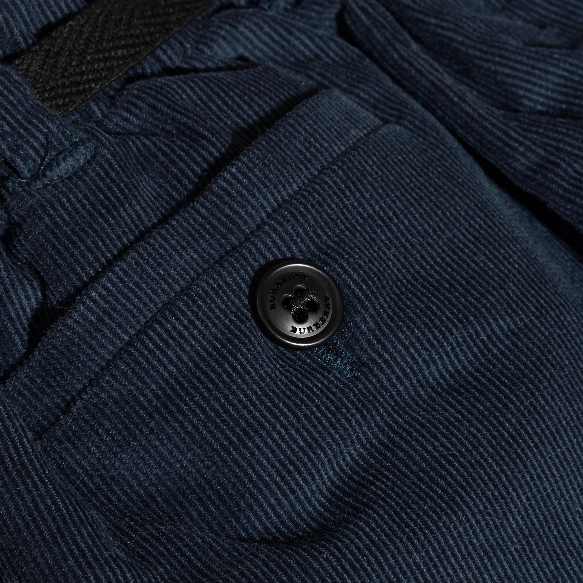 Bleu canard intense Short en velours côtelé de coton avec ceinture - photo de la galerie 2