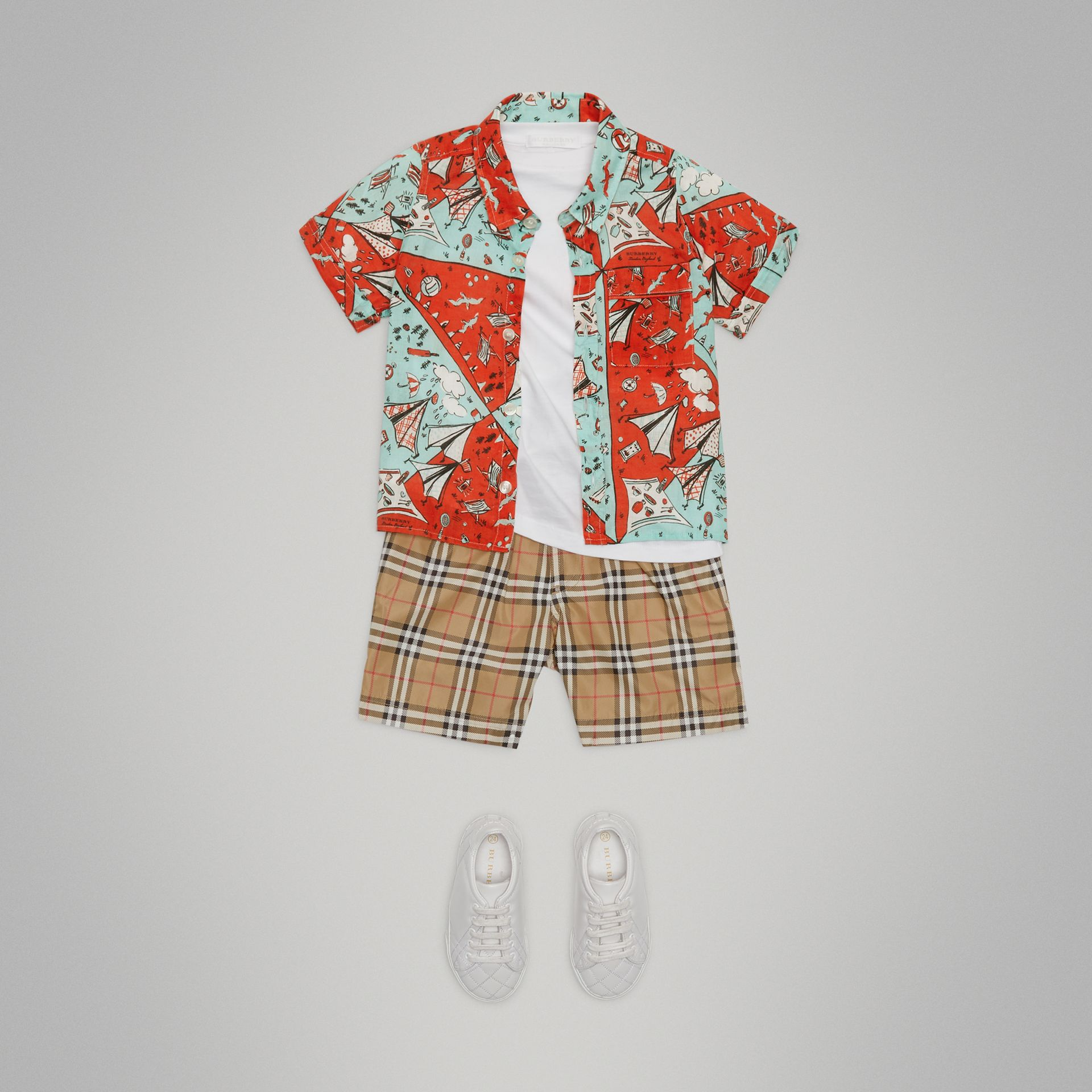 Short-sleeve Picnic Print Linen Shirt in Bright Aqua - Boy | Burberry - gallery image 2