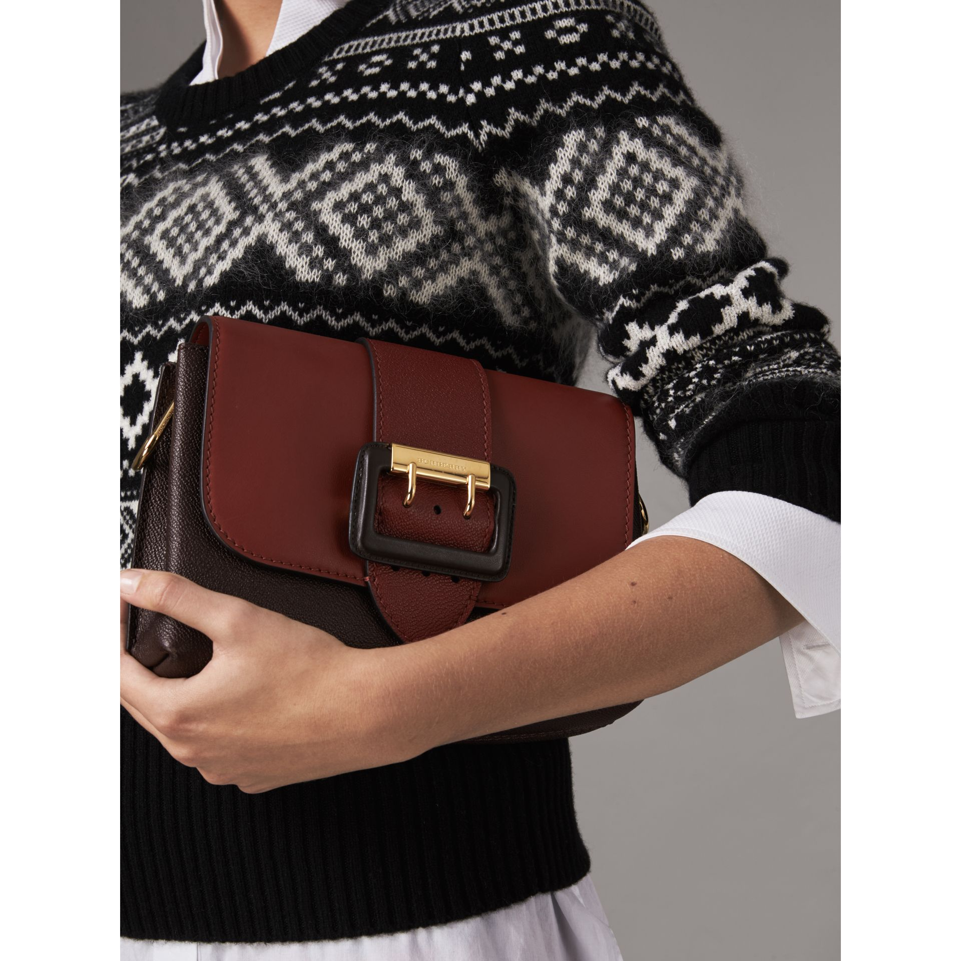 The Buckle Crossbody Bag in Colour-block Leather in Burgundy - Women | Burberry United States - gallery image 3