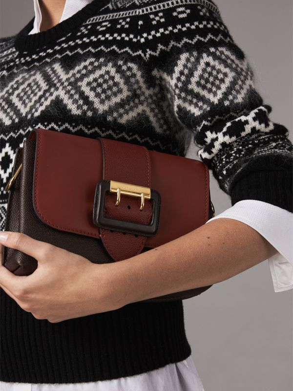 The Buckle Crossbody Bag in Colour-block Leather in Burgundy - Women | Burberry United Kingdom - cell image 3