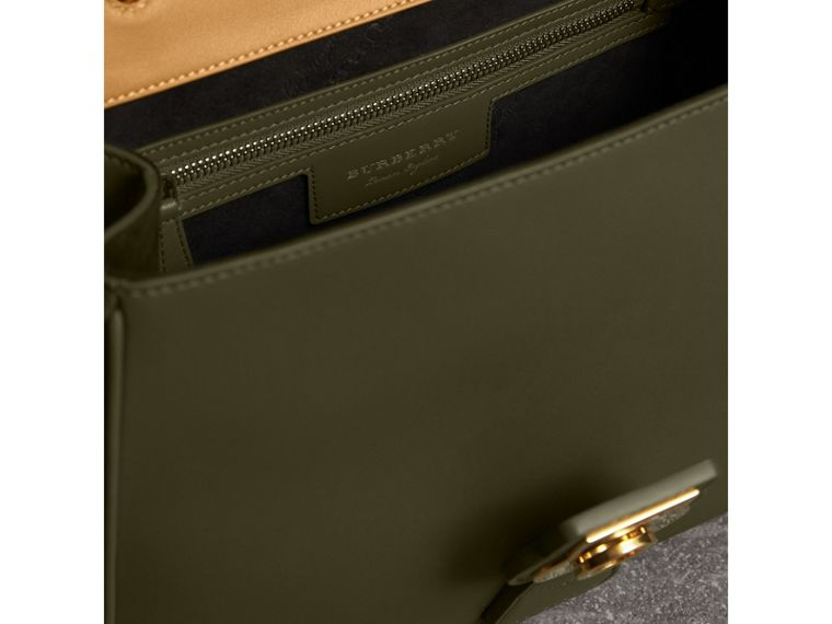 The Medium DK88 Top Handle Bag in Moss Green/ochre Yellow - Women | Burberry Singapore - cell image 4