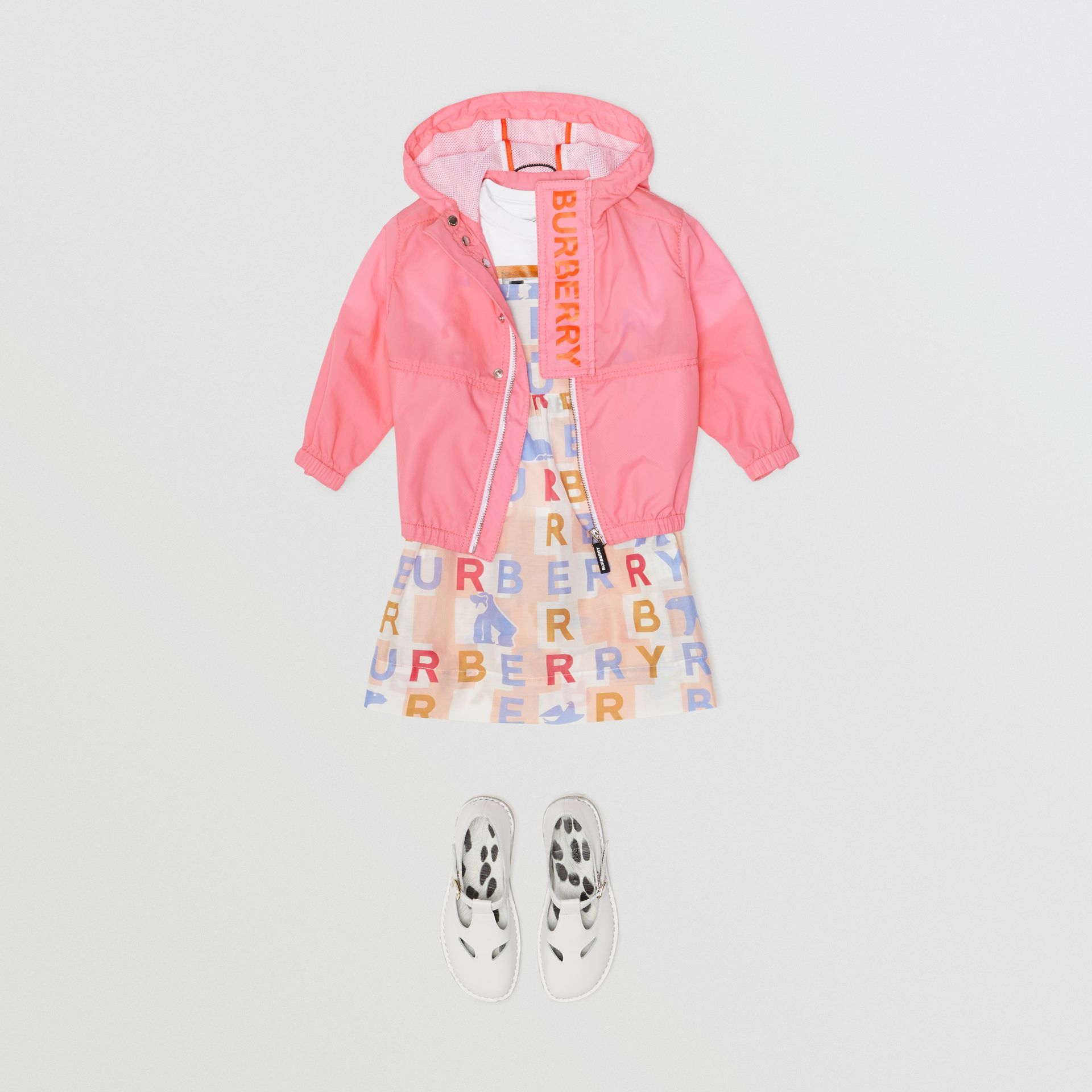 Logo Print Lightweight Hooded Jacket in Bright Rose - Children | Burberry - gallery image 2