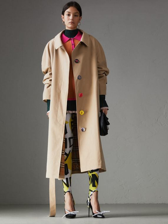 Cappotto car coat in gabardine tropicale con bottoni dipinti (Miele)