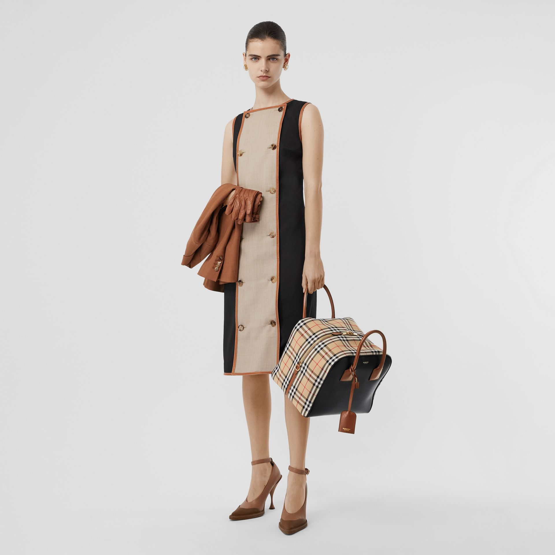 Medium Leather and Vintage Check Cube Bag in Archive Beige - Women | Burberry - gallery image 5