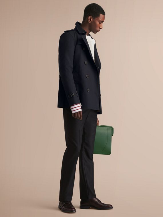 The Kensington – Short Heritage Trench Coat in Navy - Men | Burberry
