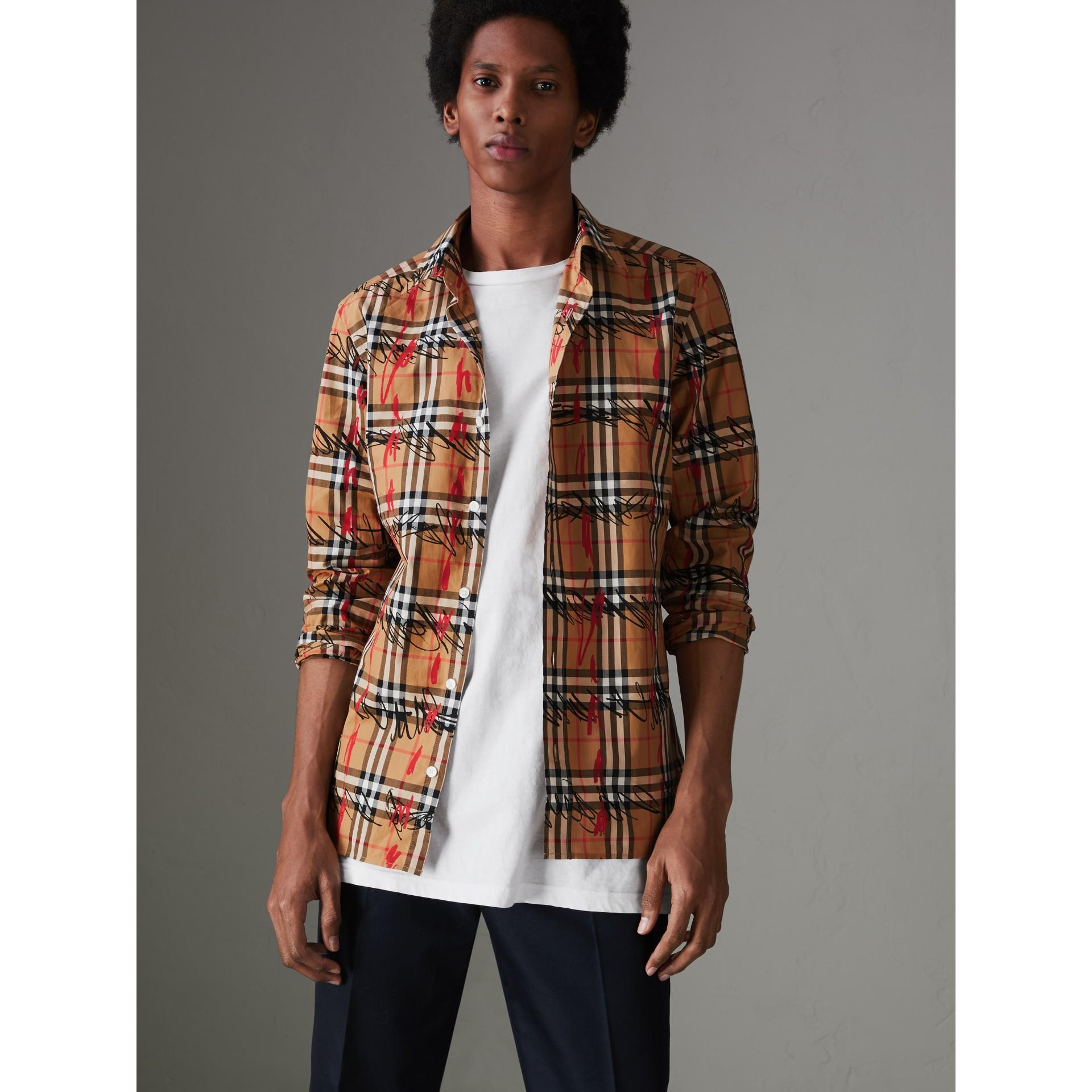Camisa de algodão em xadrez rabiscado (Amarelo Antigo) - Homens | Burberry - galeria de imagens 4