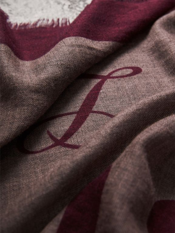 Graphic Print Motif  Lightweight Cashmere Scarf in Ash Rose | Burberry - cell image 1