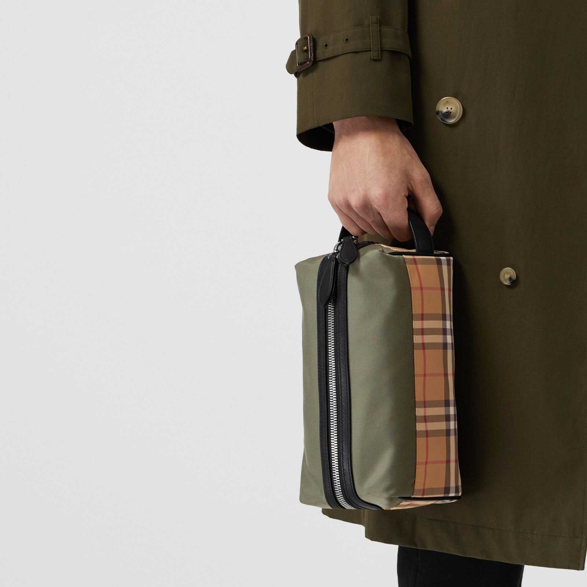 Vintage Check and Colour Block Pouch in Military Green/vintage | Burberry - gallery image 5