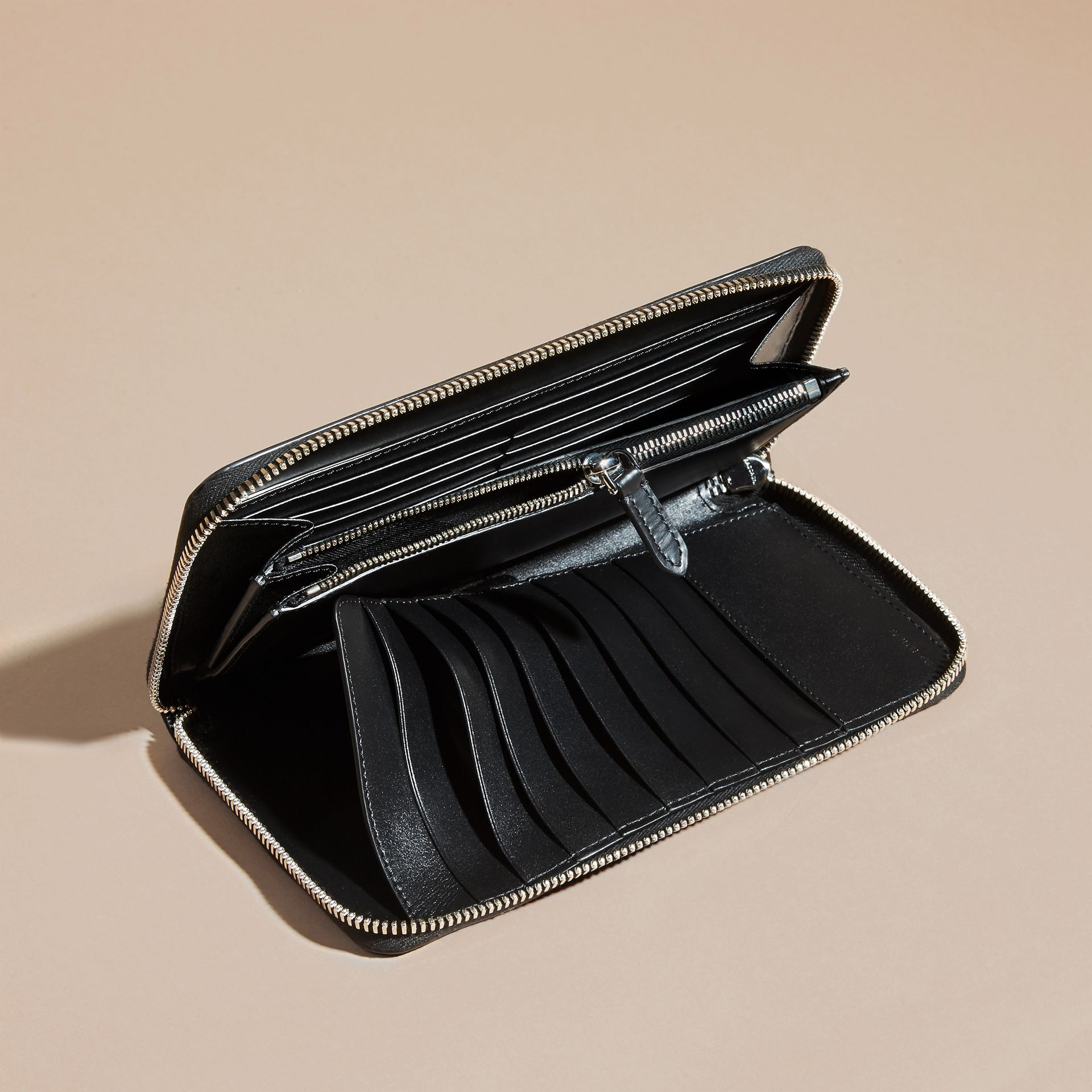 London Leather Ziparound Wallet in Black | Burberry Canada - gallery image 5