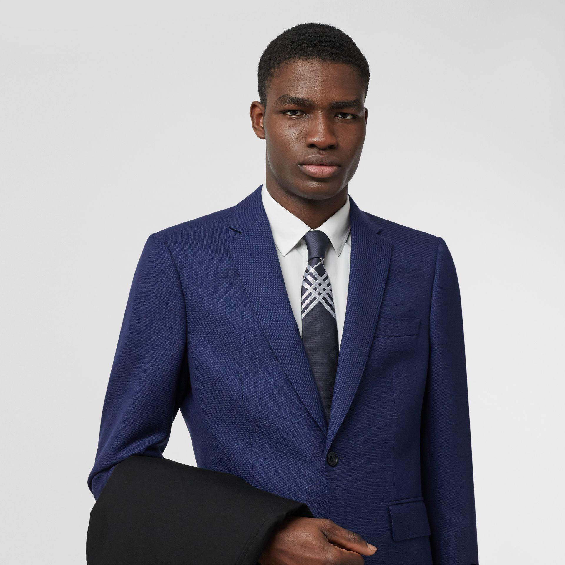 Classic Cut Check Silk Jacquard Tie in Navy - Men | Burberry Hong Kong S.A.R - gallery image 2