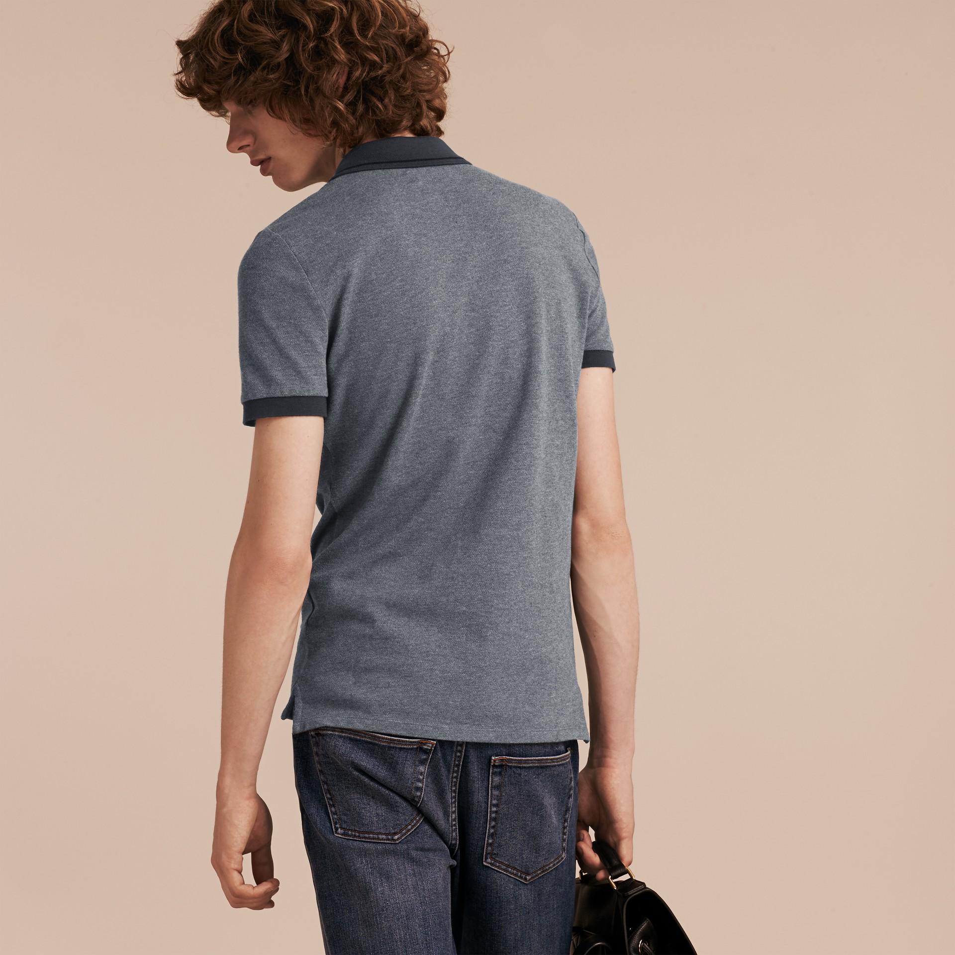 Mid grey melange Camisa polo de algodão piquê com detalhes contrastantes Mid Grey Melange - galeria de imagens 3