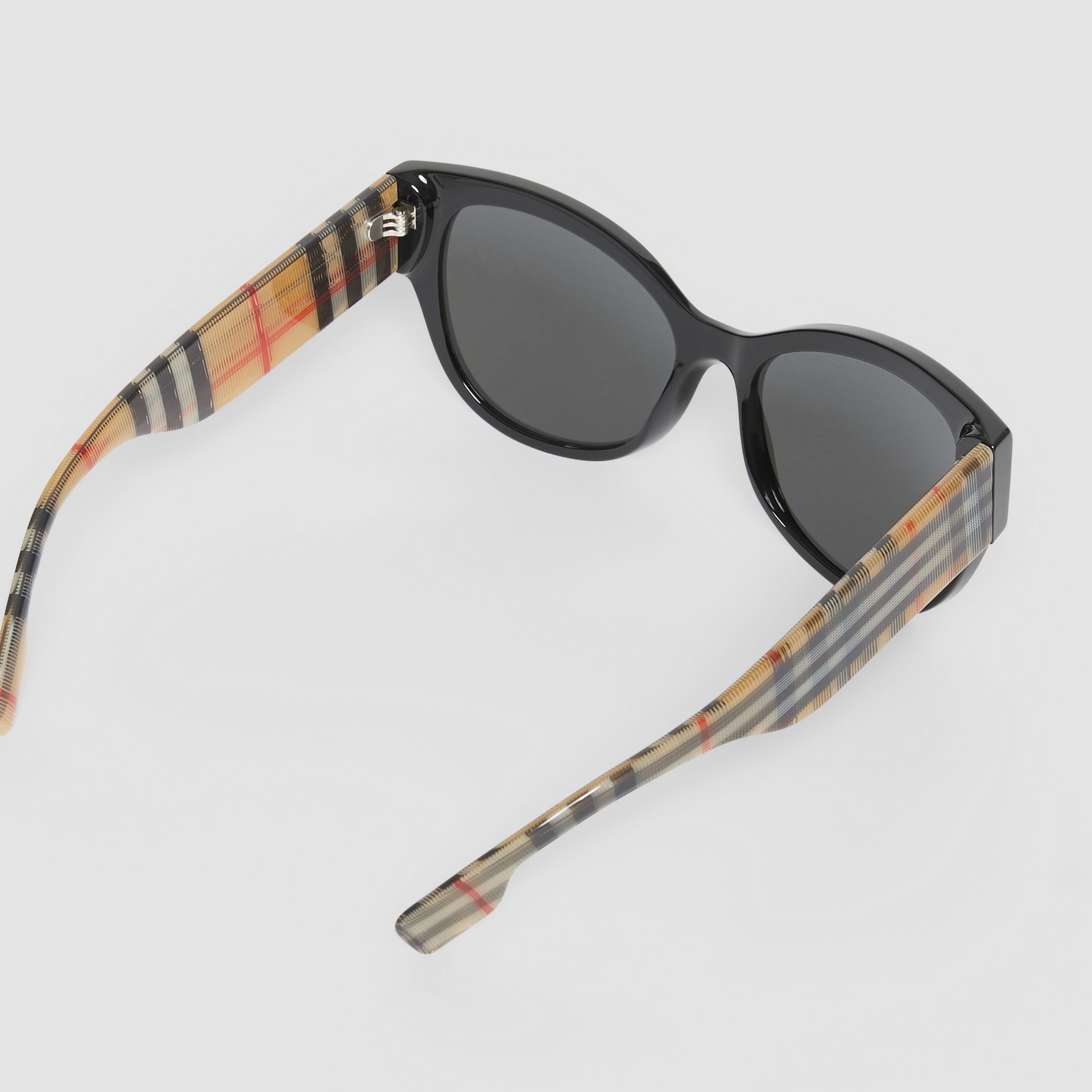Vintage Check Detail Butterfly Frame Sunglasses in Black/beige | Burberry United Kingdom - gallery image 4