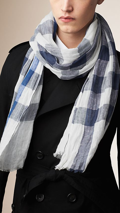 Chalk white check Check Linen Crinkled Scarf Chalk White - Image 2