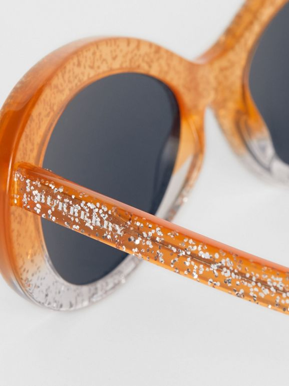 Lunettes de soleil à monture œil-de-chat avec détail pailleté (Orange) - Femme | Burberry - cell image 1