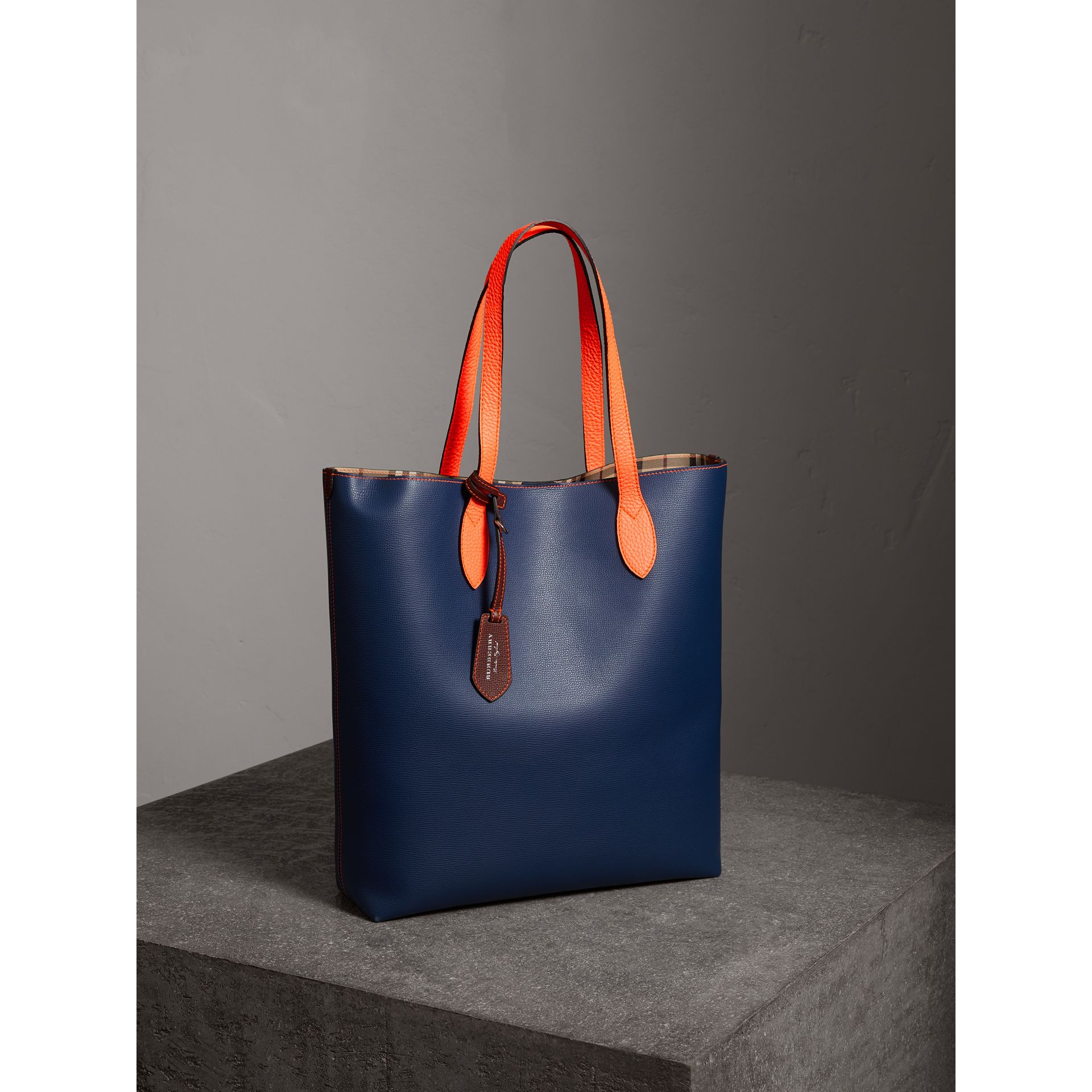 Medium Two-tone Coated Leather Tote in Dark Ultramarine | Burberry Australia - gallery image 5