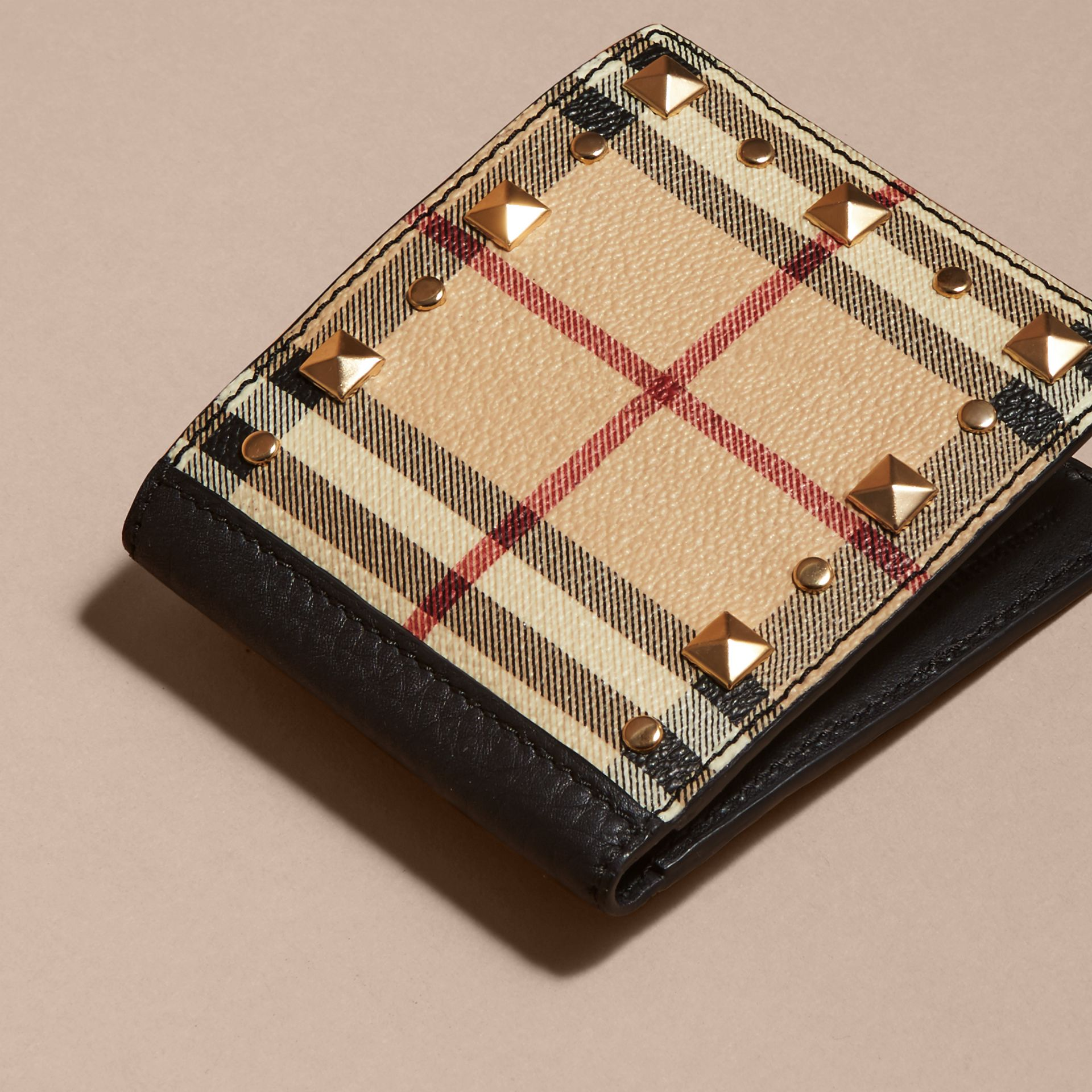 Schwarz Faltbrieftasche aus Leder mit Haymarket Check-Muster und Ziernieten - Galerie-Bild 3