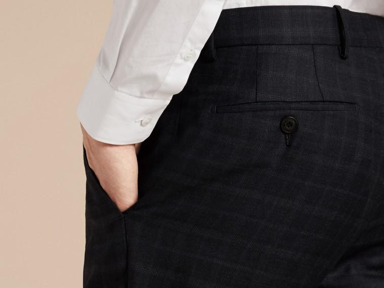 Encre Pantalon en laine de coupe slim à motif check - cell image 4