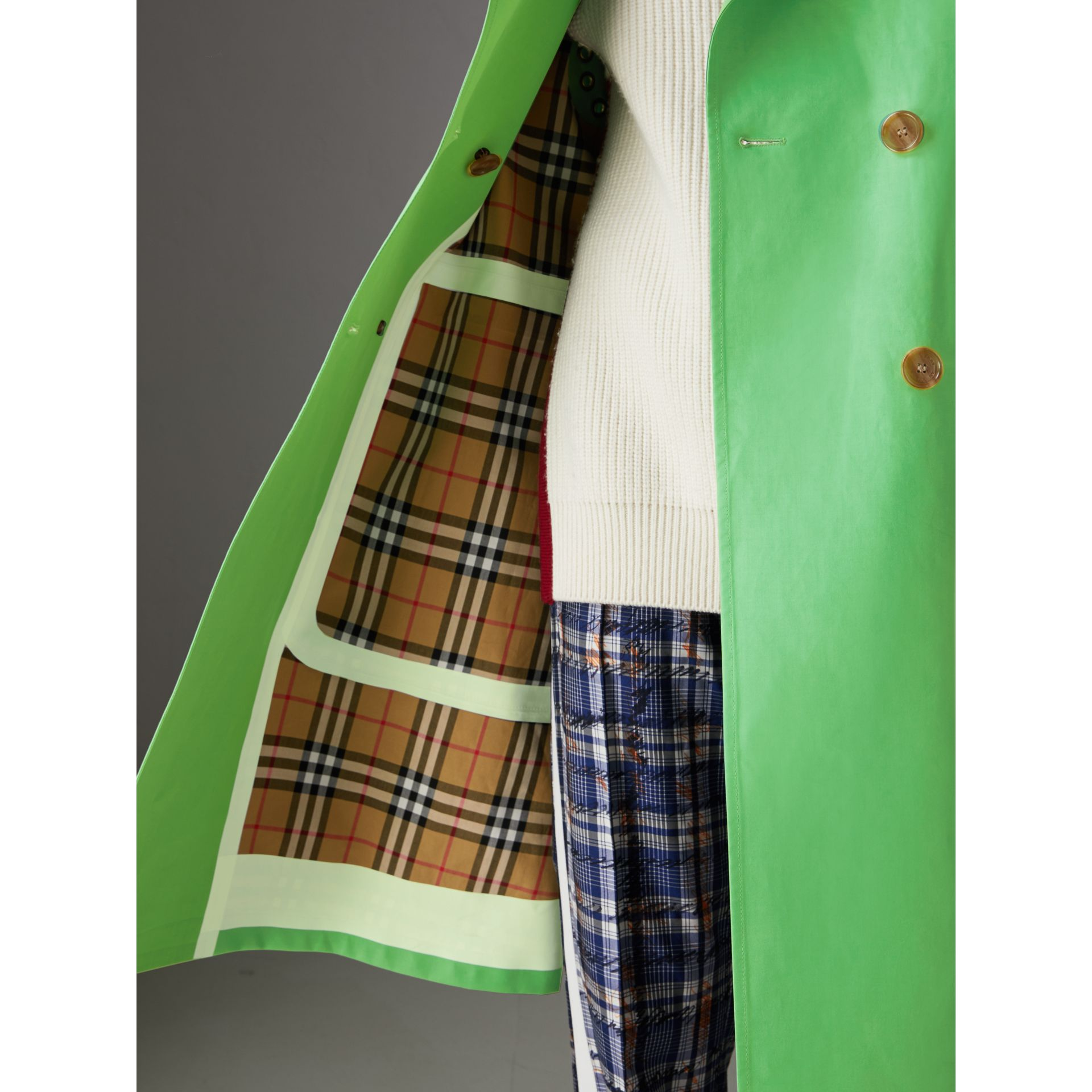 Bonded Cotton Double-breasted Coat in Bright Pigment Green - Women | Burberry - gallery image 3