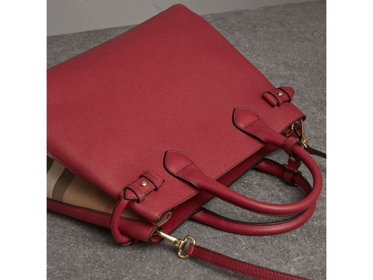 The Medium Banner in Leather and House Check in Russet Red - Women | Burberry United States - cell image 4