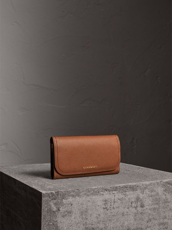 Two-tone Leather Continental Wallet and Coin Case in Bright Toffee/ Multi