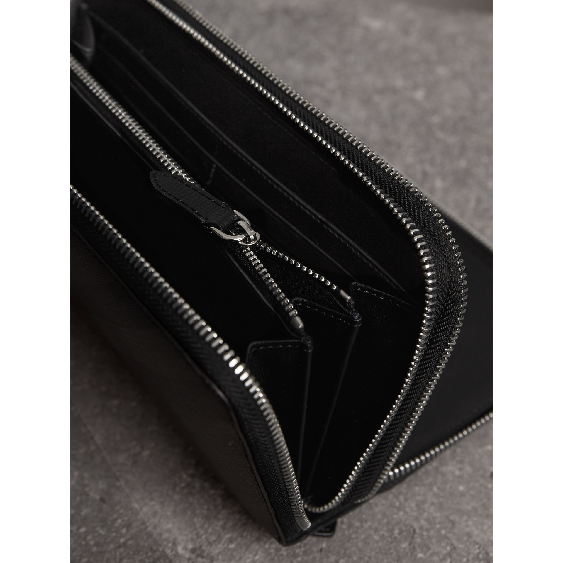 London Check Travel Wallet in Charcoal/black - Men | Burberry Canada - gallery image 4