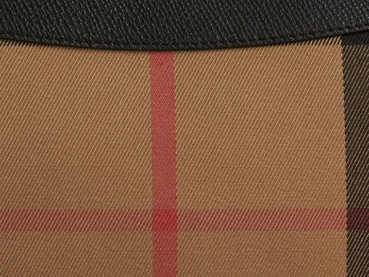 Clutch in House Check mit Lederbesatz (Schwarz) - Damen | Burberry - cell image 1