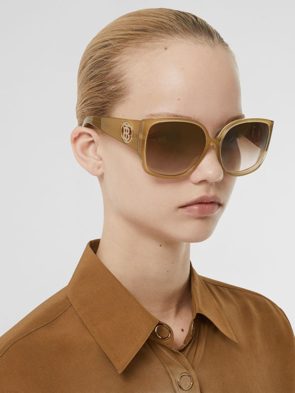 Oversized Butterfly Frame Sunglasses in Beige - Women | Burberry - cell image 2