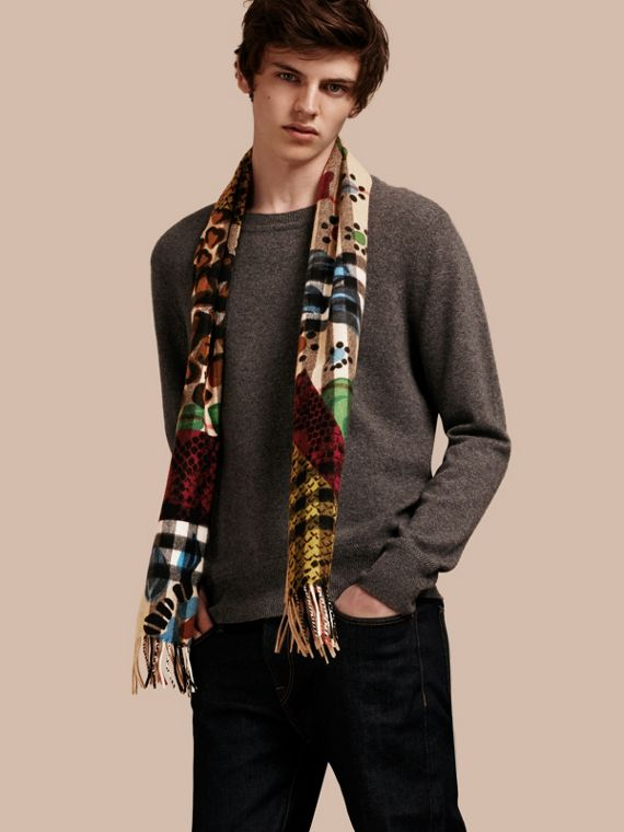 The Classic Cashmere Scarf in Check with Patchwork Print - cell image 3