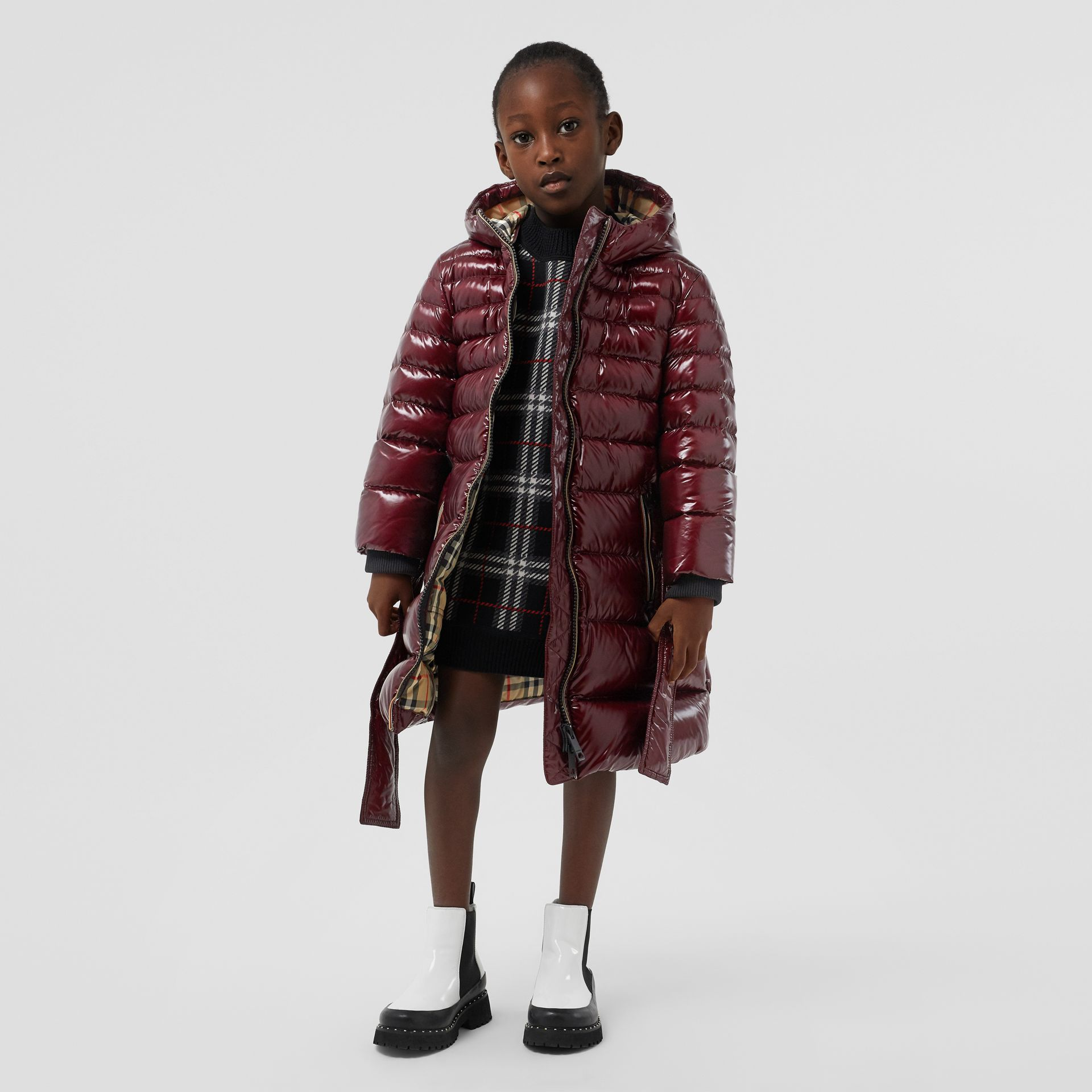 Icon Stripe Detail Down-filled Hooded Puffer Coat in Burgundy | Burberry - gallery image 2