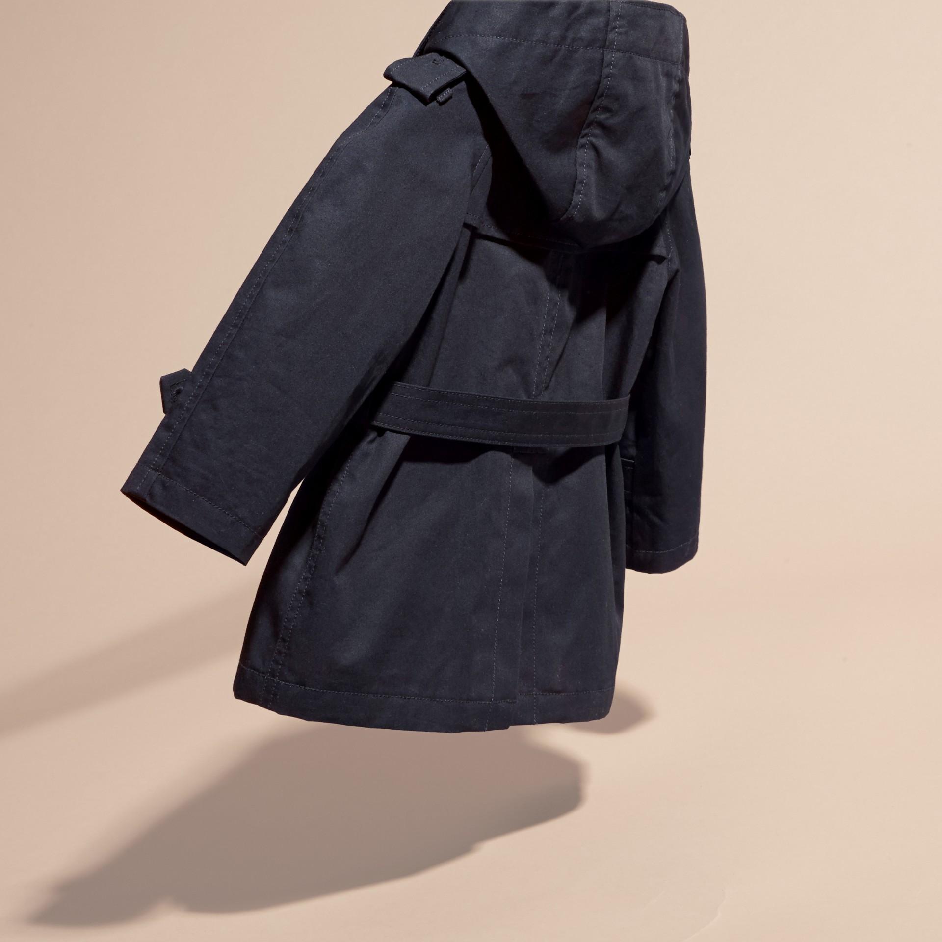 Encre Trench-coat à capuche en sergé de coton - photo de la galerie 4