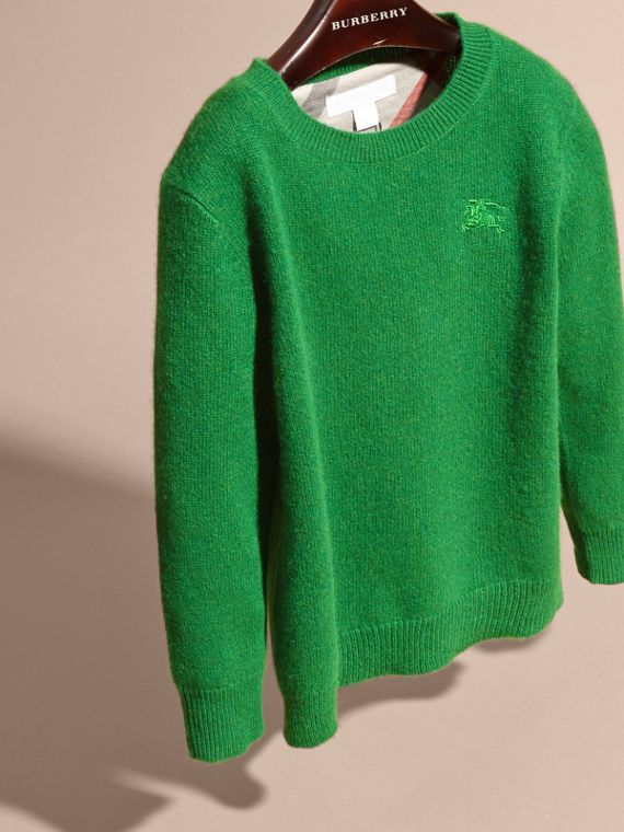 Check Elbow Patch Cashmere Sweater in Bright Pigment Green - cell image 2