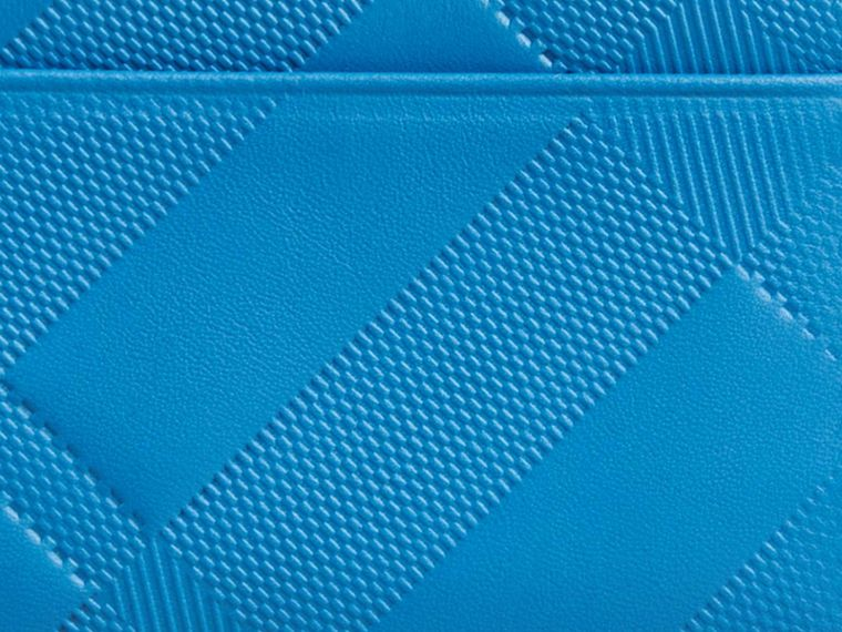 Лазурно-голубой Складной бумажник из кожи с тиснением в клетку Лазурно-голубой - cell image 1