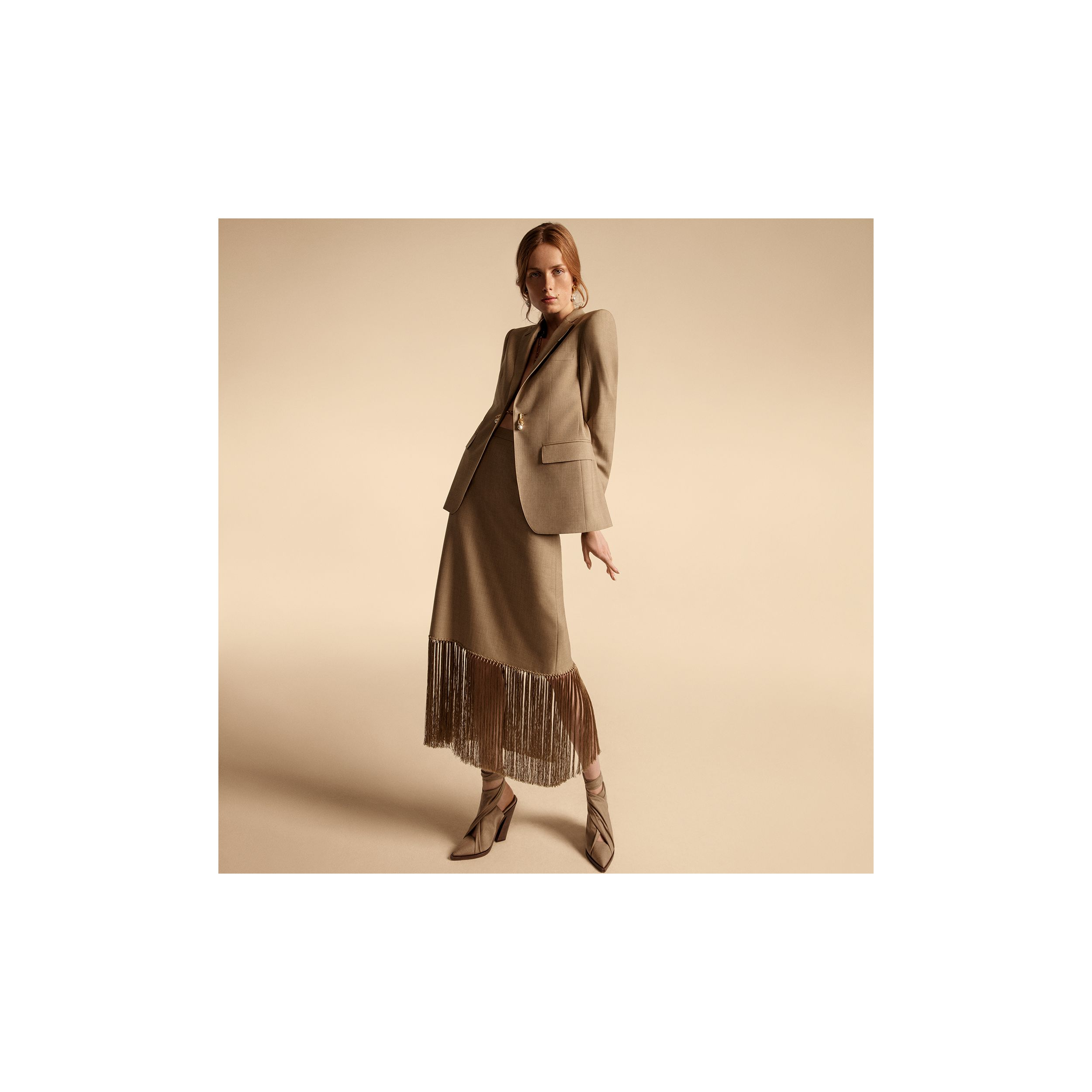 Link Detail Wool Cashmere Blazer in Pecan Melange - Women | Burberry - 2