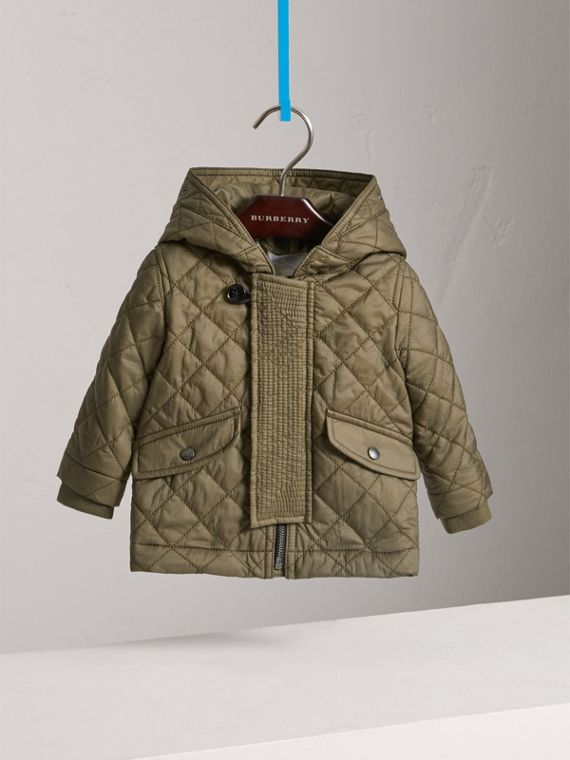 Hooded Diamond Quilted Jacket in Olive