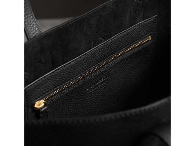 Grand sac tote en cuir estampé (Noir) | Burberry - cell image 4